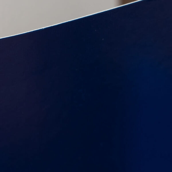 Custom-Pocket-Folder---Custom-Cover---Blue---Corner-Detail
